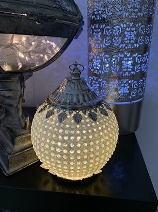 DEKORAČNÁ LAMPIČKA S